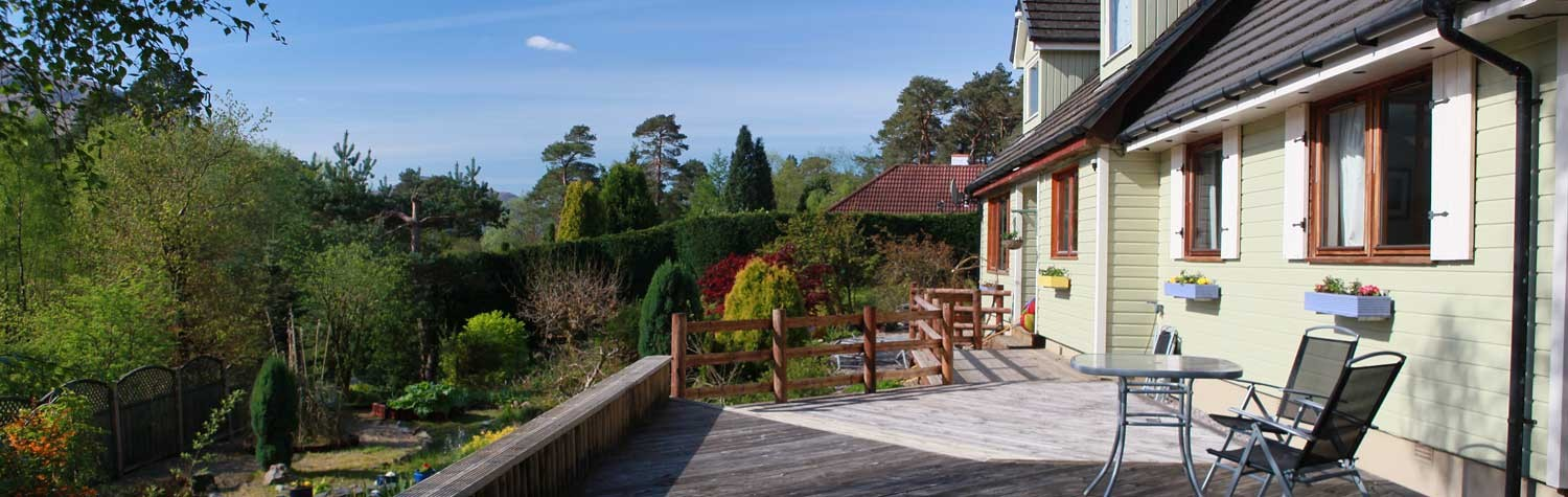 the front garden deck at our country cottage in Fort William