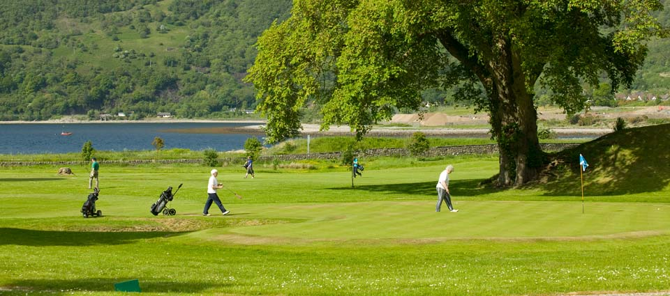 there are four golf courses within an hour of Cedar Lodge cottage